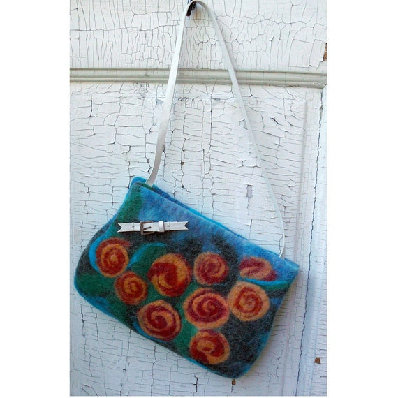 Small to Medium size tote - Roses - Wet felted under arm purse