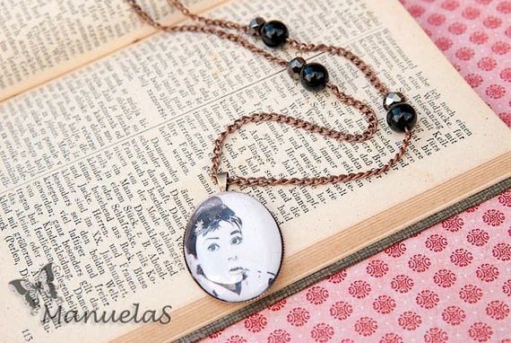 Audrey Hepburn Black & White Pendant Necklace