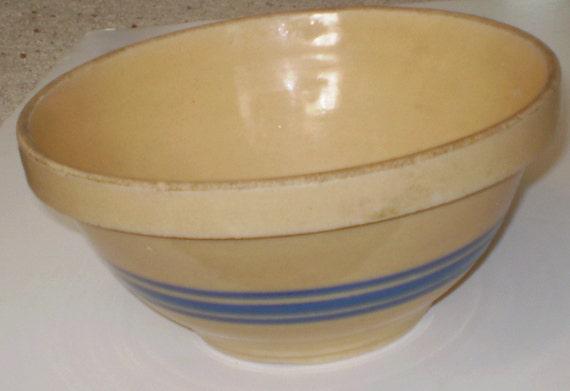 Hull Yelloware Bowl             145a