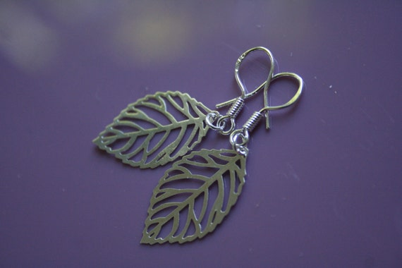 Silver Petite Leaf Earrings