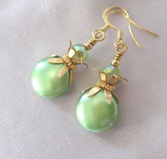 Lime Green Vtg Bead Earrings Aurora Borealis by sendinglovegallery vintage