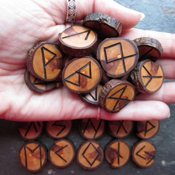 Traditional, Natural, Small/Medium - Apple - Wood Rune Set.
