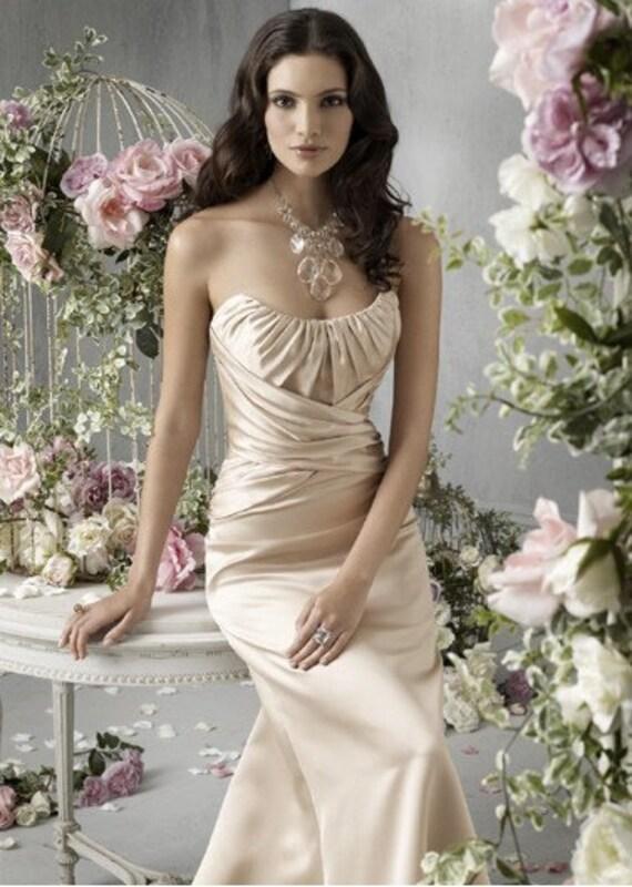 2011 پلیسه دار بی نوار کرم شاهزاده طراحی لباس ساقدوش عروس