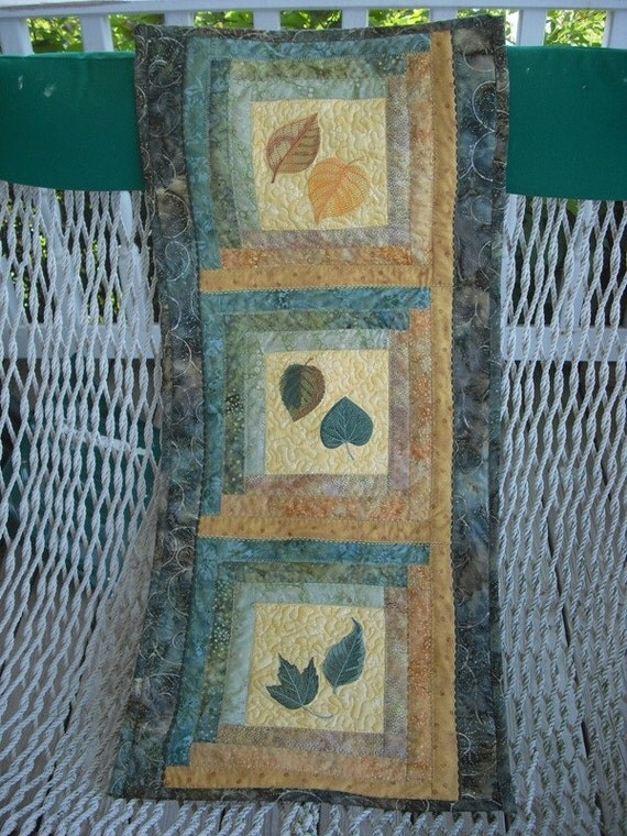 Quilted Wallhanging/Table Runner with Leaves