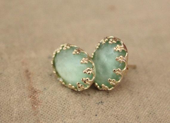 Elegant in mint- vintage style earring