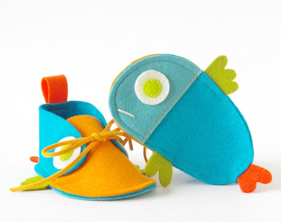 Guppies baby booties turquoise & orange tropical fish-like newborn baby shoes in pure wool felt