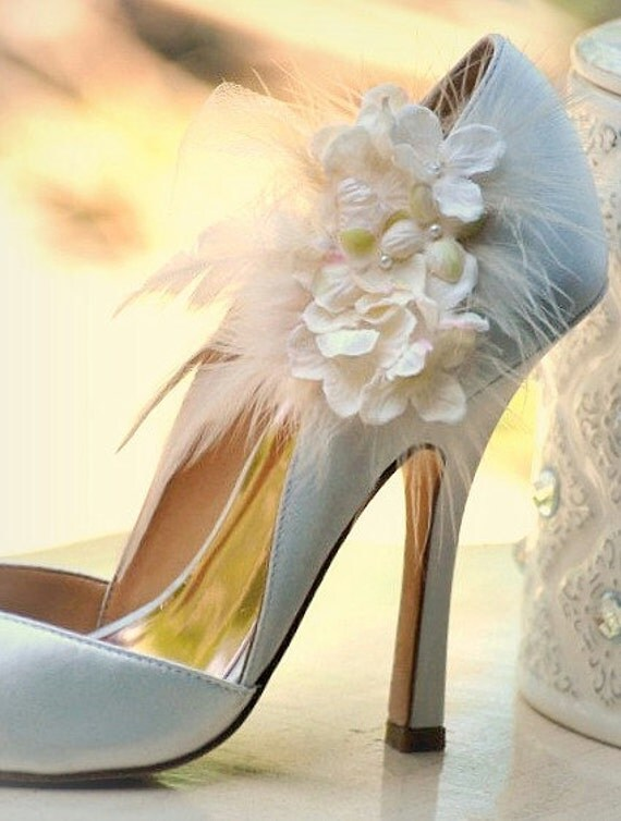 Shoe clips ivory or white hydrangeas Summer Elegant Bride autumn bride pumps more apple green lavender pink feather Pearl Couture Tulle