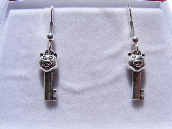 Earrings Silver Pigs Hold The Key To My Heart