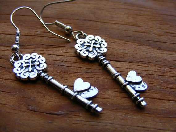 Earrings Silver Key To My Heart