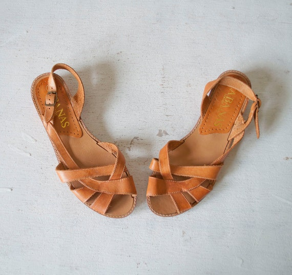 Vintage MINIMALIST Wood Heel Sandals by MariesVintage on Etsy from etsy.com