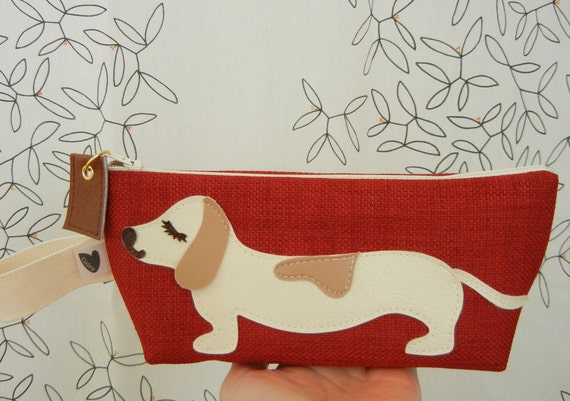 Yang the Dachshund Dog Vintage Red Tweed Cosmetic Carry all Case Zipper Pouch with Vinyl Applique