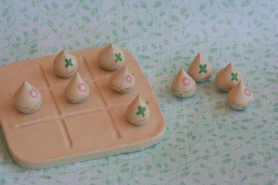 Tiny Ghosties Loves Tic Tac Toe Game Set