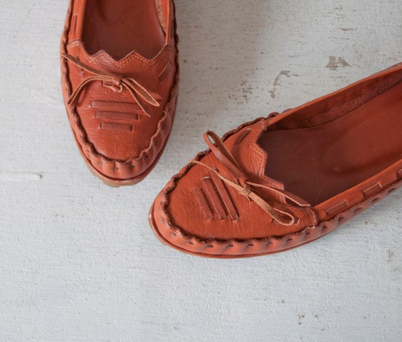 Vintage RUSSET Moccasin Flats by MariesVintage on Etsy from etsy.com