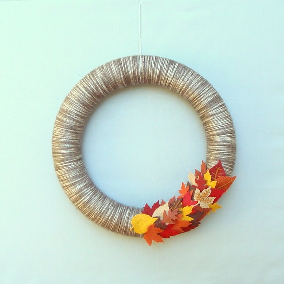 Autumn Wreath Autumn Wreath Yarn door leaves, brown, red, orange, yellow, burgundy - Perfect for fall - Harvest Colors