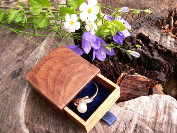 Engagement ring box by Woodstorming