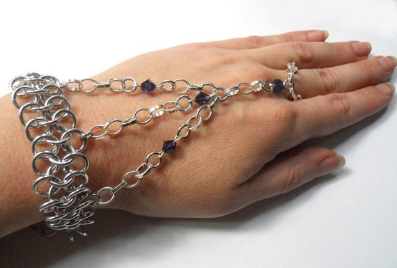 Chainmaille hand flower Slave bracelet Gothic Purple and silver
