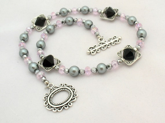 Pink & Gray Beaded Choker With Bead Frames, Filigree Toggle
