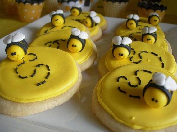 Mini Bumble Bee Cupcake/Cookie Toppers - 1 Dozen