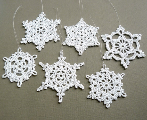 6 Crochet Christmas Decorations -- Large Snowflake Assortment ST3, in White