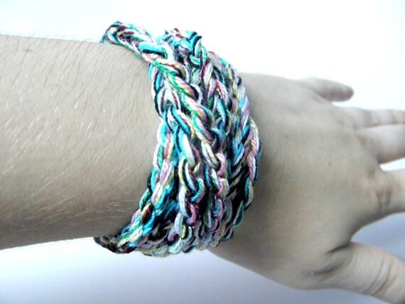 Crochet bracelet made of multicolor cotton