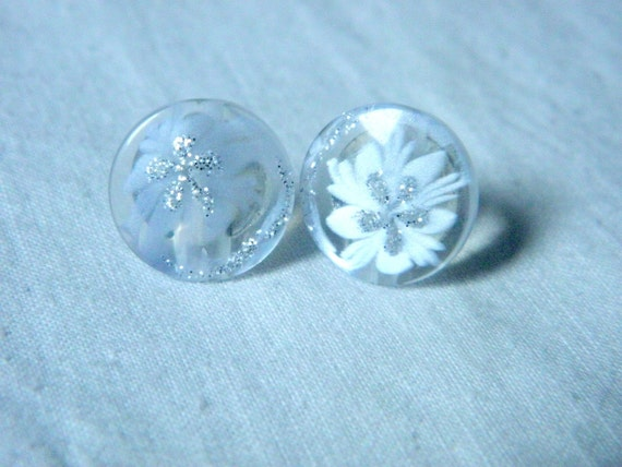 Plastic button earrings transparent