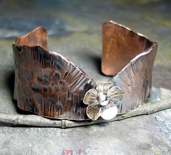 Hammered copper cuff with brass flower - Flower of the Forest