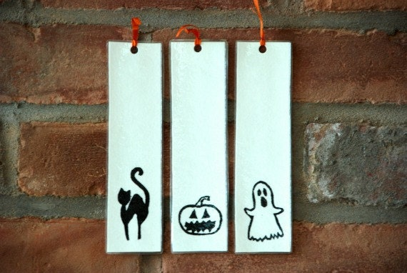 Halloween bookmark trio, spooky, paper, ghost, black cat, pumpkin, jack'o lantern, stamped, page marker, orange and black