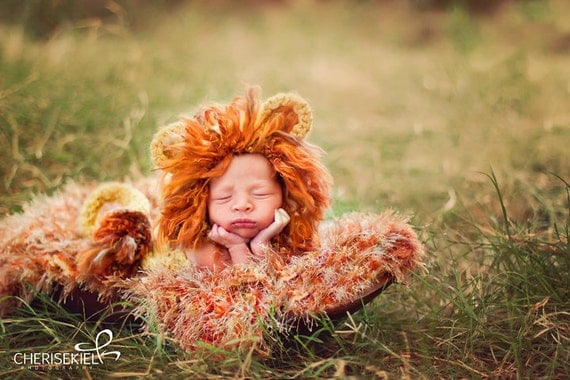 Baby's First Halloween Costume - Lion Photo Props Blanket