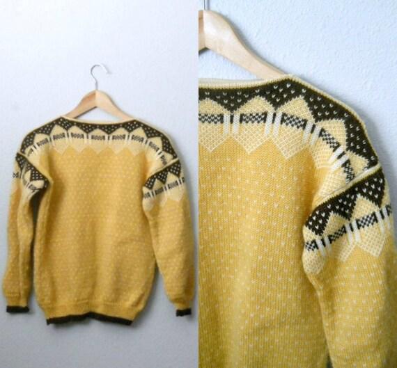 Vintage 70s Pale Saffron Yellow Norwegian Wool Sweater - medium