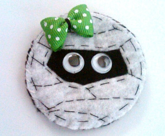 Adorable halloween mummy felt hair clip