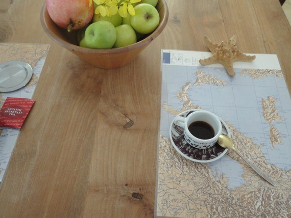Placemat Geographical Map of Italy  recycled from vintage World Atlas
