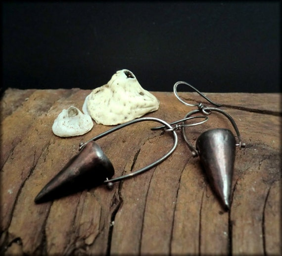 E1136 rustic bucket earrings
