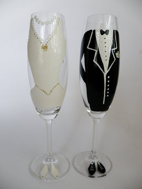 Hand painted Wedding Toasting Flutes Set of 2 Personalized Champagne glasses