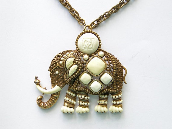Vintage Hattie Carnegie pendant necklace and by SeasideStudio from etsy.com