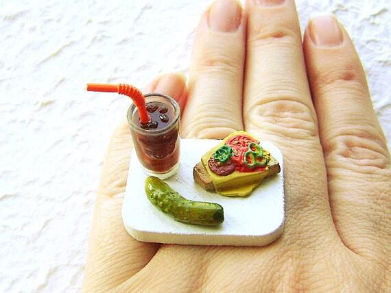 Продовольственная кольцо Cola Сэндвич Pickle