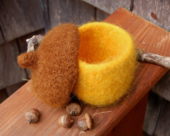 felted wool acorn bowl