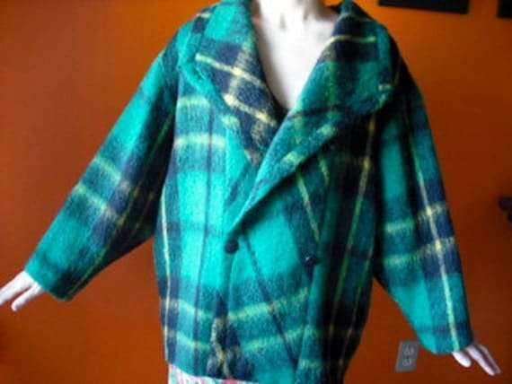 VINTAGE 80's Tweed Plaid wool coat
