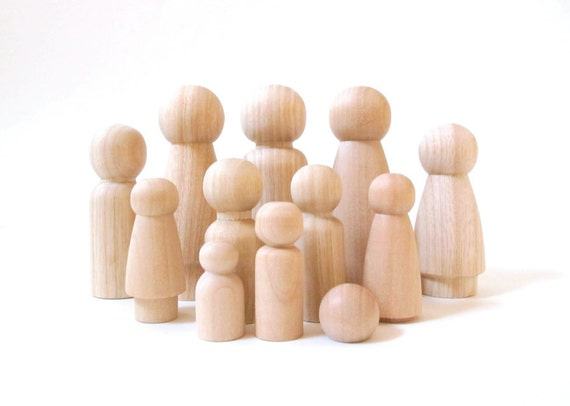 "8 Dolls - Choose YOUR OWN family - Wooden Peg Dolls - Two 3.5"" Parent Dolls and 6 Child-size Dolls"
