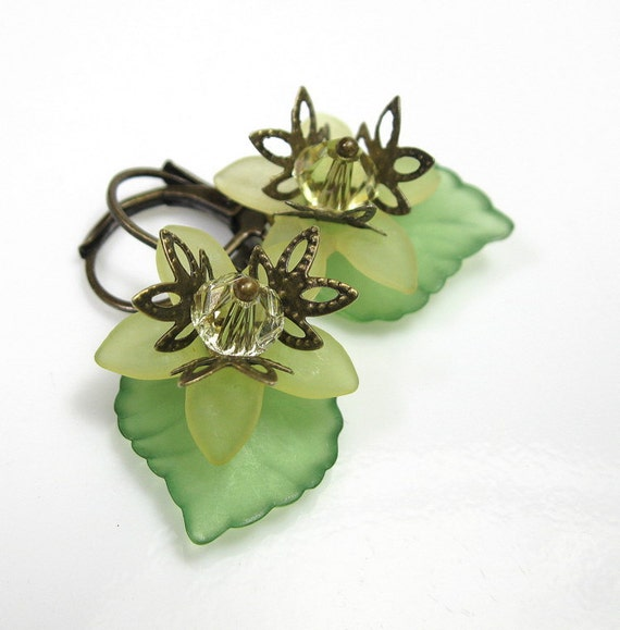 Green, Flower Earrings, Vintage Style Jewelry, Vintage Style Earrings, Swarovski, Leaf, Antiqued Brass