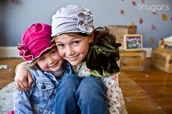 стильный шляпу Шоппинг в серой или цвета фуксии - Snugars шляпка для дам осень / зима 2011