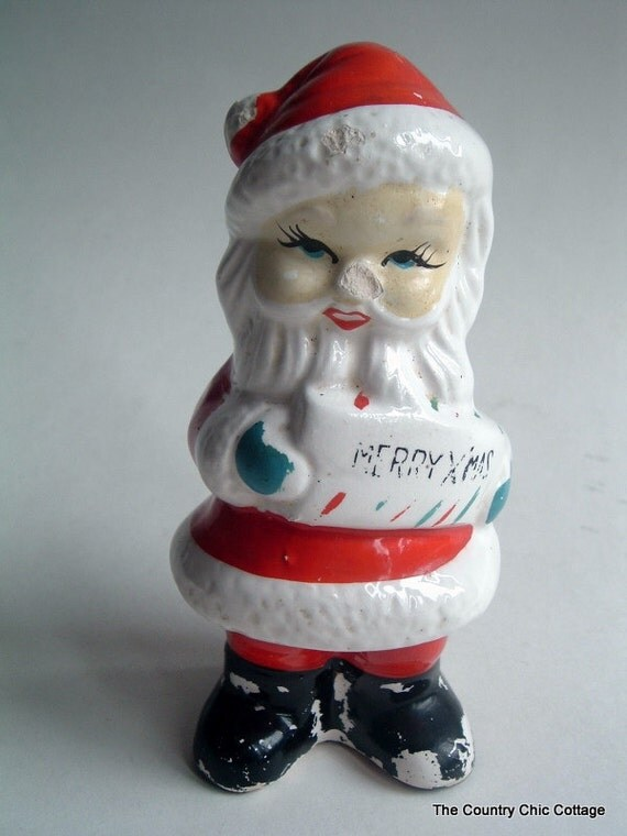 Santa Figurine Salt and Pepper Shaker Christmas Decor Vintage