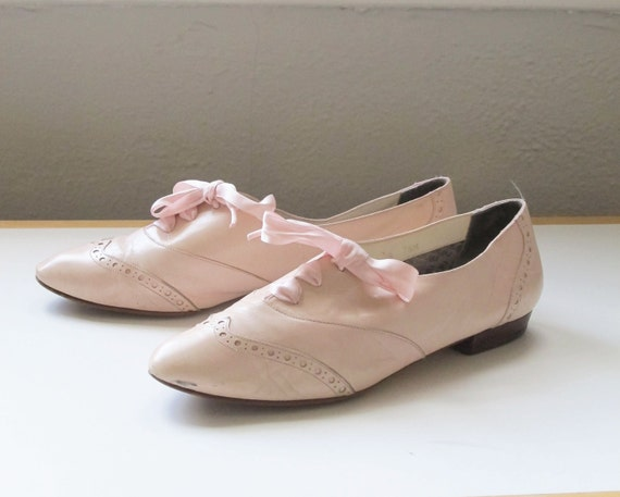 Shoes / Oxford / Pale / Pink / Flats / Lace up / Size 7.5