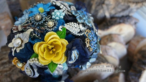 Vintage Brooch Bridal Bouquet - CUSTOM Made to Order Extra LARGE