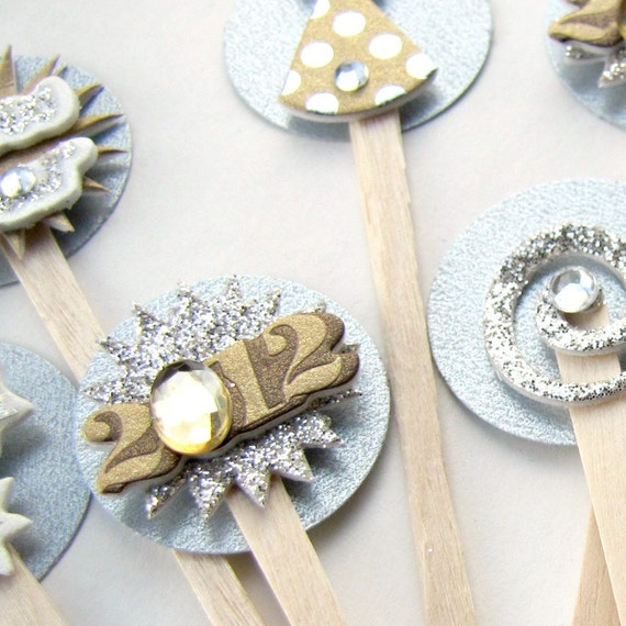 Gold and Silver Food/Drink/ Cupcake picks or toppers for New Year's Eve, Set of 10 by Kiwi Tini Creations