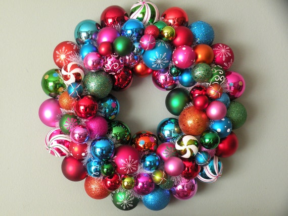 COLORFUL CHRISTMAS Ornament Wreath