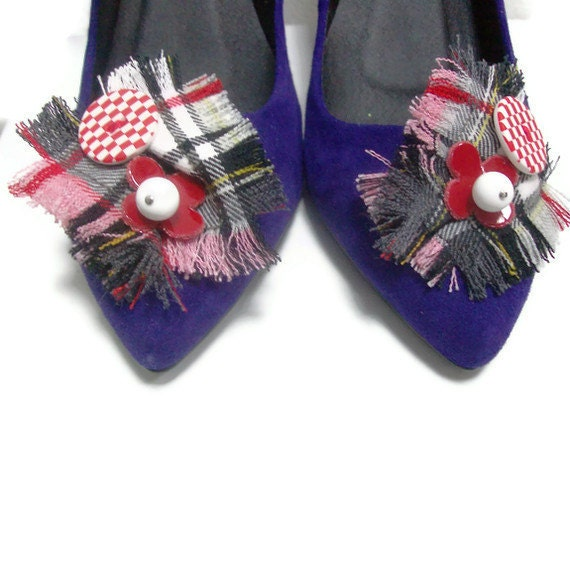 Red,black,white Tartan shoe clips