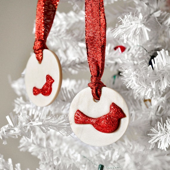 Red Bird Ornaments Cardinal Decoration Party Favor in Glitter Winter Pearl Hostess Gift Set