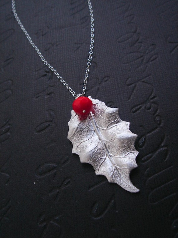 Christmas Jewelry, Holly Leaf Necklace, STERLING SILVER, Winter Wedding Jewelry, Bridesmaid Gifts, Christmas Jewelry, Christmas Necklace