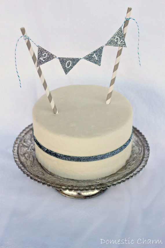 "Mini Bunting ""2012"" Glitter New Year's Cake Topper with Paper Straws and Bakers Twine"