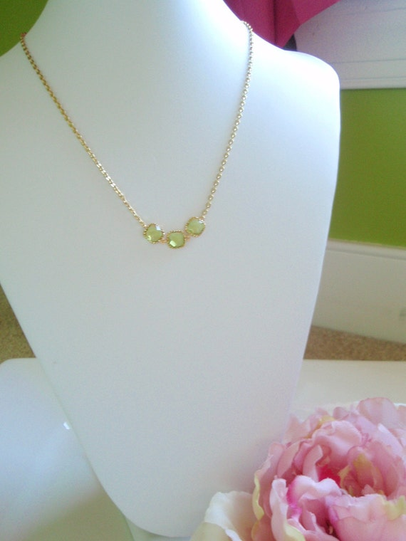 OLIVIA - Gold Wrapped Apple Green Necklace